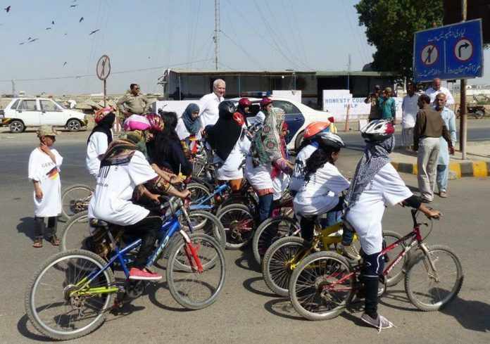 lyari girls, cycle race, pollution free. Karachi